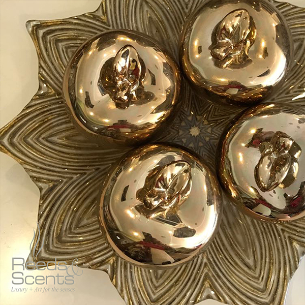 reeds-and-scents-decor-gold-balls